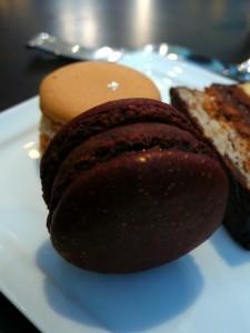 Macaron chocolat et Yuzu, macaron aux marrons et cassis