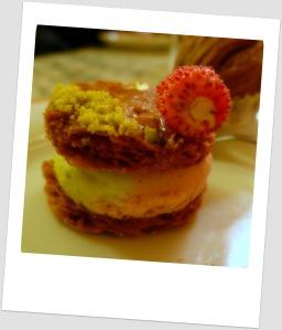 Millefeuille fraise-pistache